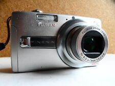 fujifilm j50  8.2 megapixel digital camera / silver