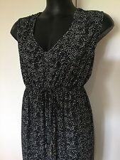 Size 26 Smart Flattering Black Geometric Print Summer Dress