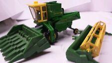 1/64 ERTL custom John deere 105 combine with 20' bean and 6 row corn farm toy