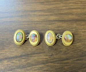 Beautiful Vintage 14K Yellow Gold 585 Round & Oval Opal Unique Cufflinks
