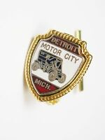 Souvenir Tie Tack DETROIT MOTOR CITY vintage Tie Pin with chain Michigan Tie Tac