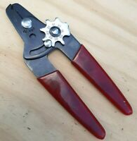 Clean! Adjustable Wire Strippers Electrician Specialty Tool Vintage GC-760