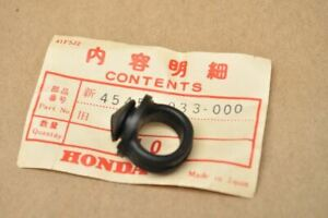 NOS Honda C200 CA200 CT200 CT90 Front Fork Cable Grommet 45451-033-000