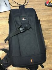 Lowepro Flipside 200 DSLR Camera Travel Security Backpack – Very Good Condition