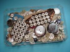 Lot de BOUTONS Anciens en NACRE - Mother of pearl buttons