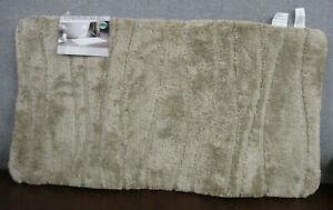 """NWT Rivera Home Ultra Plush Charcoal Infused Memory Foam Spa Rug  20"""" X 38"""""""