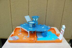 "Matchbox Car Play Set Harbor Patrol Mattel 2005 PopUp Folding 8""x8""x2"" Heliport"