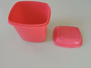 Petite poubelle rose avec couvercle à bascule, Made in Italie