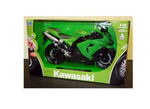 Kawasaki ZX-10R in Green (1:12 scale by New-Ray Toys 42443A)