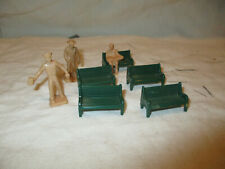 Vintage Group O scale benches & people