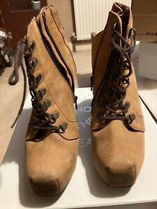 Tan Shoe Boots Size 6