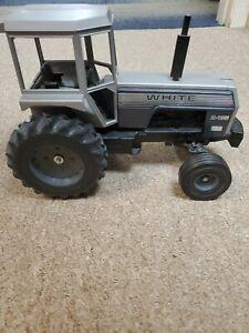 White 2-135 Tractor 1/16