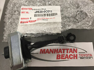 00-06 TOYOTA TUNDRA & SEQUOIA Left Front Door Check strap stopper 68620-0C011