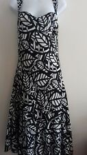 PER UNA - WOMENS - BLACK/WHITE SLEEVELESS/FULLY LINED DRESS - SIZE 8R
