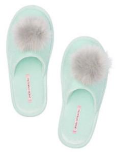 VICTORIA SECRET Fuzzy Pom Pom Slippers Factory Sealed, Mint Size M MSRP $29.99