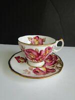 Vtg QUEEN ANNE Windsor Rose GOLD Teacup & Saucer Bone China ENGLAND GORGEOUS!