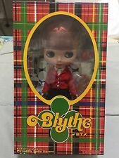 "Takara Tomy Neo 12"" Blythe Doll - ""Piccadilly Dolly Encore"" CWC Exclusive"