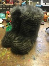 Fab Faux Fur Yeti Snow Boots Sz uk 4-5  Rave Cyber Retro Ruby & Ed