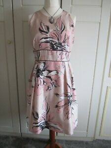 VERY PINK FLORAL DRESS SIZE 18
