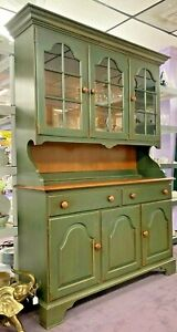VINTAGE PRISTINE HITCHCOCK 2PC HUTCH/CHINA CABINET PAINTED COUNTRY GREEN