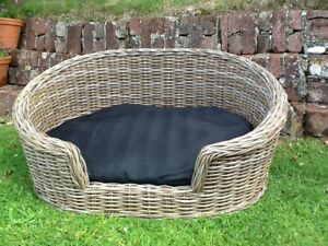 GORGEOUS GREY LARGE OVAL RATTAN LUXURY PET BED BASKET WITH REMOVABLE CUSHION