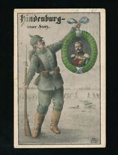 AK Hindenburg unser Stolz, Soldat mit Foto von Hindenburg  (P9)