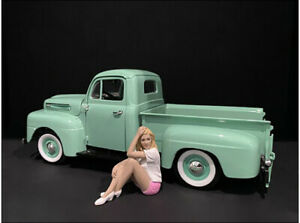 Car Girl In Tee Madee Figurine For 1/24 Scale Models By American Diorama