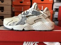 WOMENS NIKE AIR HUARACHE RUN PRM SZ 8.5 PHANTOM WHITE 683818 015