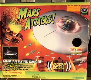 Vintage 1996 Mars Attacks movie toy Martian Flying Saucer,  RARE,  WORKS!