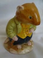 Royal Doulton - Brambly Hedge Mouse Mice Figurine - DBH 13 - Old Vole