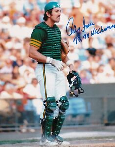RAY FOSSE  OAKLAND A'S  1973,74 WS CHAMPS  ACTION SIGNED 8x10