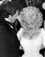 Dolly Parton UNSIGNED photograph - L3143 - With Sylvester Stallone - NEW IMAGE!!