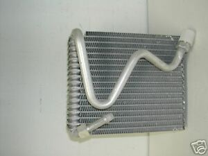 NEW AC  Evaporator GEO TRACKER 1989-1993