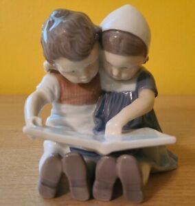 B & G Bing & Grondahl Denmark Children Reading Figurine 1567