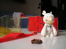 "Toy2R x Touma Toumart Knuckle Bear White Colour 2.5""Qee Key Chain 2004"