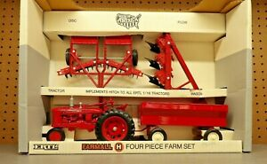 New Vintage ERTL Deluxe IH Farm Set ~ Farmall H Tractor, Plow, Disc, Wagon,