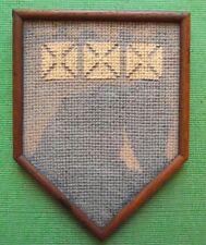 Aberdeen Edwardian Enmarcado Bordados heráldico Sampler en período de palo de rosa marco F