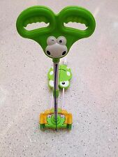 Green Four Wheel Frog Motion Scissor Kick Scooter LED Rainbow Light For 3-13 y.o