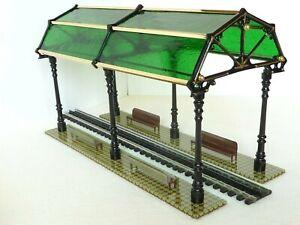 RARE - IVES 18k Gold Trim & Dark Green Glass Train Station - TCA C-9 / Old Stock