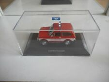 Cars & Co / Ixo Lada Niva Feuerwehr in Red on 1:43 in Box