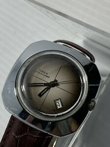 VINTAGE TIMEX AUTOMATIC SQUARE FACE WATCH 70's Working!!