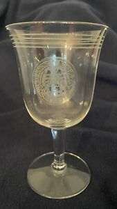 Vintage UNIVERSITY CLUB OF CHICAGO - Wine Glass Clear Crystal