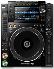 PIONEER CDJ 2000 NXS2 - PRO MEDIA PLAYER - CD, MP3, USB, AAC /  NEXUS