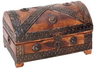 Treasure Chest - Pirate Box Holzspielerei Mini 7 1/8in Solid