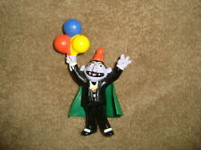 """Sesame Street Count Von Count holding Balloons Applause PVC Figure 3.75"""" tall"""