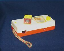 VINTAGE FISHER-PRICE TOYS POCKET CAMERA PRETEND PLAY #464 1974 ANIMALS PICTURES