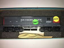 Athearn SOUTHERN PACIFIC SD9 #3897 DUMMY (Non-Powered) Locomotive, NEW OLD STOCK