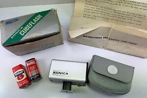 KONICA CUBE FLASH BLACK -  Vintage Camera Flash Accessory - Complete