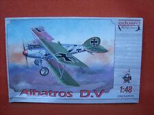 Eduard ® 8013 Albatros D.V   photo-etched parts  Y MOTOR EN METAL BLANCO 1/48,