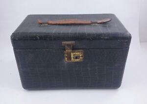 ANTIQUE TRAIN CASE Art Deco Compact Faux Alligator Black Personal Baggage Travel
